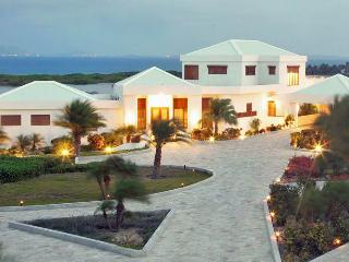 Perfect 8 bedroom Villa in Meads Bay - Meads Bay vacation rentals