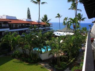 Casa De Emdeko 324 Gorgeous Top Floor Condo with Ocean View! - Kailua-Kona vacation rentals