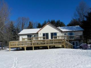 Cozy House with Deck and Internet Access - Blakeslee vacation rentals