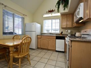 Perfect 2 bedroom Cabin in Big Bear City - Big Bear City vacation rentals