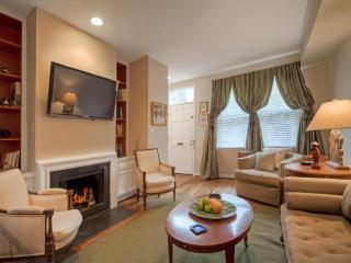 Georgetown Jewel Box with Garden sleeps 6-10 - Washington DC vacation rentals