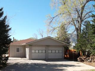 Book for the Holidays, Room for the Entire Family! - Colorado Springs vacation rentals