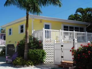 Cottages of Paradise Point - Sun Cottage - Fort Myers Beach vacation rentals