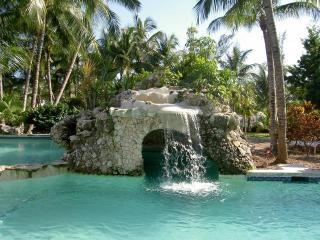 Sunrise Beachfront #12  Paradise Island- Atlantis - Paradise Island vacation rentals