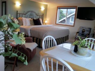 Ocean View! Stair-Free Beach Access! Hot Tub! WiFi - Lincoln City vacation rentals