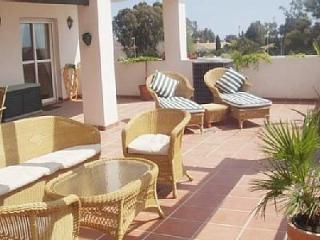 """Nueva Andalucia holiday apartment """"Lorcrimar Iv"""" - Puerto José Banús vacation rentals"""