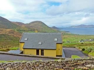 HIGH RISE, family friendly, with a garden in Waterville, County Kerry, Ref 11441 - County Kerry vacation rentals