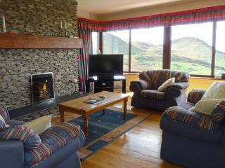 HIGH RISE, family friendly, with a garden in Waterville, County Kerry, Ref 11441 - Waterville vacation rentals