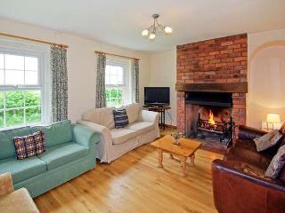 DURSTONE COTTAGE, pet friendly, country holiday cottage, with a garden in Pencombe, Ref 12372 - Pencombe vacation rentals
