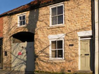 COOPER'S COTTAGE, pet friendly, character holiday cottage, with a garden in Pickering, Ref 12415 - Pickering vacation rentals