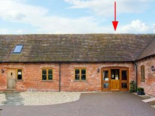 THE TURNIP HOUSE, pet friendly, luxury holiday cottage, with a garden in Westhope, Ref 12657 - Chelmarsh vacation rentals