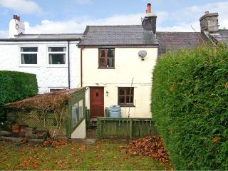 3 TYN Y MYNYDD, pet friendly, country holiday cottage, with a garden in Penmachno, Ref 8420 - Betws-y-Coed vacation rentals