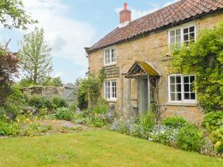 CORNER COTTAGE, pet-friendly, character holiday cottage, with a garden in Cropton, Ref 12165 - Pickering vacation rentals