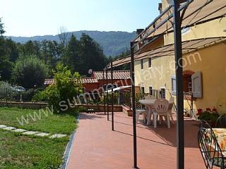 Adorable 4 bedroom Serravalle Pistoiese House with Deck - Serravalle Pistoiese vacation rentals