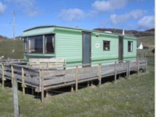 Perfect 2 bedroom Aultbea Condo with Deck - Aultbea vacation rentals