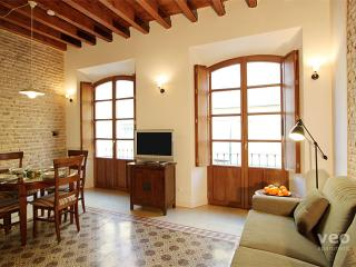 Relator. Authentic 1-bedroom - Seville vacation rentals