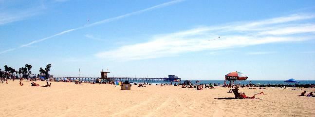 The Beach just down the street - Newport Beach Contemporary Getaway! - Newport Beach - rentals