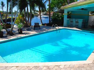 Casa Bella Stunning 4 BD 5.5 BA Waterfront Heated Pool Home! - Oakland Park vacation rentals
