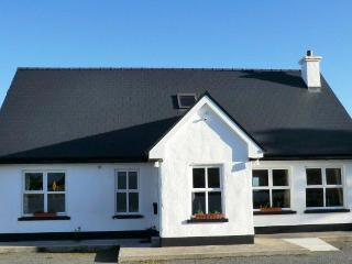 Ard na Mara, Roundstone Holiday Home 3 bedrooms - Roundstone vacation rentals