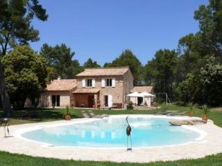 Holiday rental Villas Rognes (Bouches-du-Rhône), 340 m², 5 650 € - Rognes vacation rentals