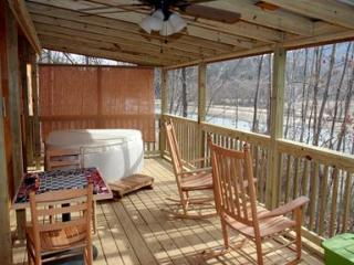 Romantic Log Cabin on Beautiful Lake Lure, Hot Tub - Lake Lure vacation rentals