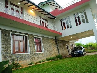 For peace & tranquility in Kandy - Summer vacation at Thorana Bunglow - Kandy vacation rentals