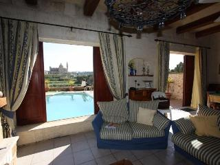 Rustic Style 4-bedroom Villa on the island of Gozo - Island of Gozo vacation rentals