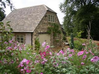 Luxury 2 Bed Cottage in the Heart of the Cotswolds - Cotswolds vacation rentals
