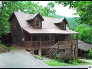 4 bedroom gatlinburg cabin with community pool - Gatlinburg vacation rentals