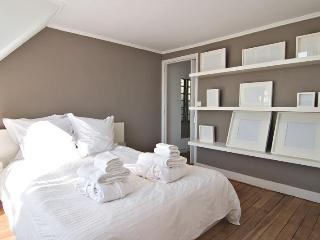 Marais - 1 Br - Ideal Location - Great Paris views - Paris vacation rentals