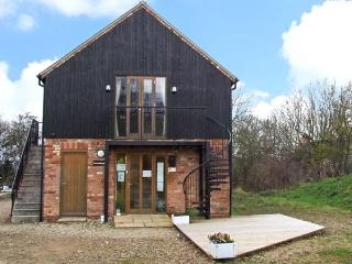 THE PUDDING ROOM, country holiday cottage, with a garden in Ashbourne, Ref 12220 - Farley vacation rentals