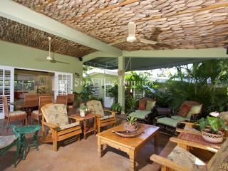 Linga-Awile - Discovery Bay 3 Bedrooms - Discovery Bay vacation rentals