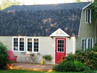 1 bedroom Cottage with Deck in Mahone Bay - Mahone Bay vacation rentals