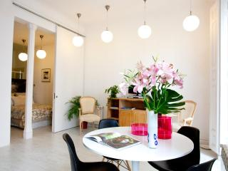 IMMACULATE! The WHITE LOFT, 2br central CHUECA - Madrid vacation rentals