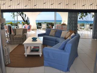Beach villa, walk to Sandy Lane, Holetown - Easter - Holetown vacation rentals