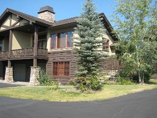 Luxury townhome short walk to Payette Lake and Downtown - McCall vacation rentals