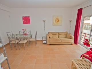 Superb family apartment 400m to sea front - Cabanas de Tavira vacation rentals