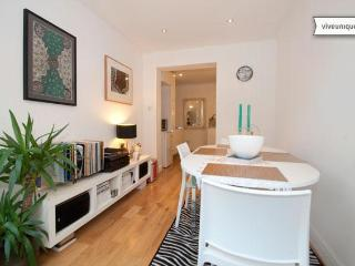 Stylish 2 bed in Maida Vale with garden - London vacation rentals