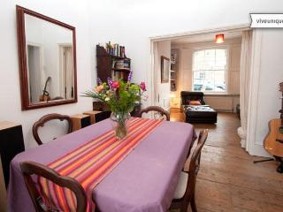 3 bed with garden, minutes from Columbia Road, Shoreditch - London vacation rentals