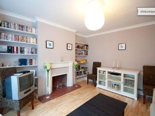 Modern 2 bed in Maida Vale with garden, Westminster - London vacation rentals