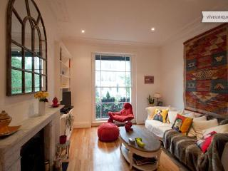 Picture Perfect in Regent's Park, 3 bed 2 bath - Hemel Hempstead vacation rentals