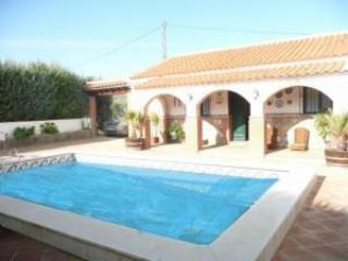 5 bedroom villa with pool in Spanish lake district - Guaro vacation rentals