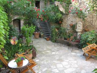 A  Charming Place in Provence - Forcalquier vacation rentals