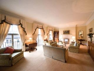 South Kensington Mansions 3 Bed/3 Bath Apart-Hotel - London vacation rentals