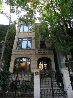 Lincoln Park B&B Villa D'Citta with 6 Private Suites - Chicago vacation rentals