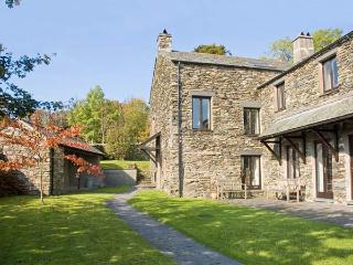 HELM LUNE, family friendly, character holiday cottage, with open fire in Bowness & Windermere, Ref12923 - Bowness & Windermere vacation rentals