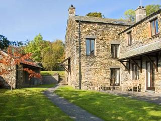 HELM EDEN, family friendly, country holiday cottage, with open fire in Bowness & Windermere, Ref 12913 - Windermere vacation rentals