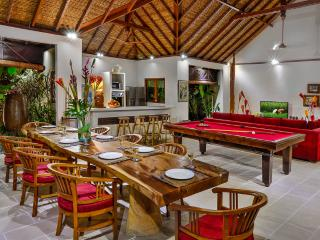 VILLA BIBI - LUXURY 5 BEDROOM VILLA, SUPERB VALUE - Seminyak vacation rentals