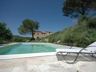 Amazing Views from 4 Bedroom Farmhouse on Countryside - Sant'Albino vacation rentals