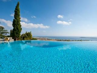 4 bedroom luxury villa with pool near Golden beach - Drios vacation rentals